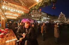 gl 252 hweinstand auf dem spandauer weihnachtsmarkt foto