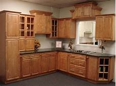 Kitchen Decorating Ideas With Maple Cabinets by Cinnamon Maple Kitchen Cabinets Home Design Traditional