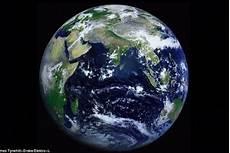 Bumi Bulat Atau Datar Ini Penjelasan Ahli Tafsir Alquran