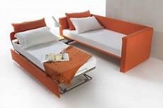 letti singoli in pelle letto singolo comodo letti santambrogio