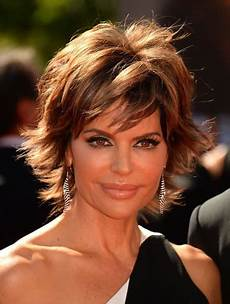 lisa rinna hairstyle pictures 2015 how to get lisa rinna s hairstyle step by step tutorial