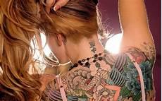 Tattoos Frauen Rücken - frau bilder t 228 towierung r 252 cken hd hintergrundbilder