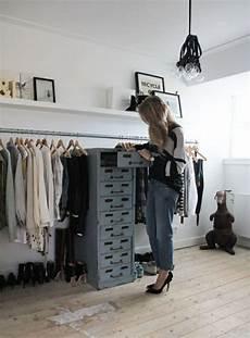 kleiderständer selber machen wie k 246 nnen sie einen begehbaren kleiderschrank selber