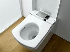 japanische hi tech toilette mit wasserstrahl toto