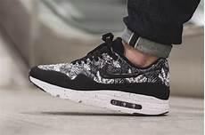 nike air max 1 ultra moire black white floral sneaker