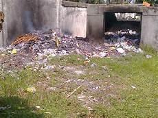 Melky Multimedia X 2 Lingkungan Kotor Dan Bersih