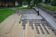 pedane in legno per esterni prezzi pavimenti per esterni pavimenti speciali