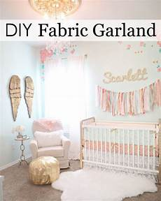 kinderzimmer wand ideen this is the easiest diy fabric garland diy nursery