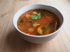 tom yam gai i thai recipes spicy sour soup with chicken tom yum