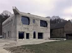 220 Ber Die Antivilla Arno Brandlhuber Monument Gegen