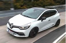 autos für fahranfänger liste renault clio r s 220 trophy schnellster serienkleinwagen