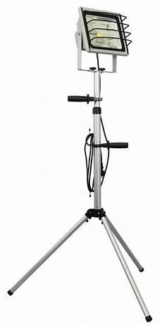 led fluter mit stativ 50 watt 3600lm ip65 grau xq