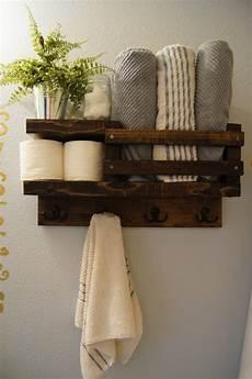 Badezimmer Handtuch Regal - bath towel shelf bathroom wood shelf towel by madisonmadedecor