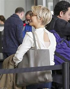 julianne hough shows off new pixie cut while at lax daily mail online
