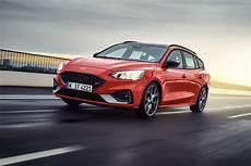 Erste Bilder Des Neuen Ford Focus St Turnier Presseportal