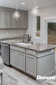 best 25 diamond cabinets ideas pinterest marble kitchen diy traditional marble kitchens