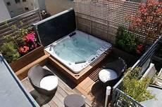 mini pool für terrasse eingebauter outdoor whirlpool in der terrasse mit