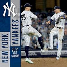 Malvorlagen New York Yankees New York Yankees Wall Calendar Calendars