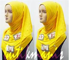 Kreasi Jilbab Modern Kerudung Segitiga Kaos
