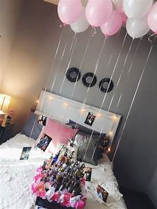 easy and cute decorations for a friend or girlfriends 21st birthday awhh pinterest 21st