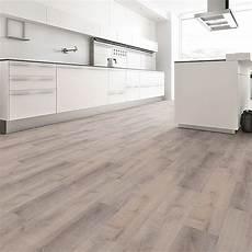 vinylboden wohnzimmer b design vinylboden maxi sherwood eiche grau in 2019