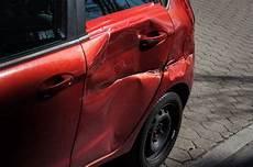 wirtschaftlicher totalschaden auto verkaufen ankauf unfallwagen wann ist es wirtschaftlich noch