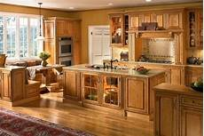 11 best images about kitchen wall color pinterest oak cabinets maple cabinets and paint colors