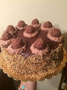 torta con ferrero rocher sbriciolati ferrero rocher in una torta silvialarosa