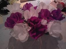centre de table fleur papier crepon maison et deco