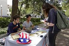ut austin organizations coordinate to register students to vote the daily texan