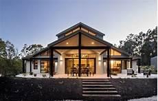 Modernes Haus Mit Satteldach 252 Berdachte Terrasse Sitzecke