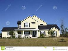 Typisches Amerikanisches Haus - typical american home stock photo image of suburbs farm