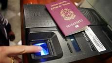 come ottenere il permesso di soggiorno in italia stranieri italia permesso di soggiorno