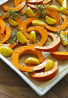 Kürbis Im Backofen - baked pumpkin with rosemary and goat cheese fall