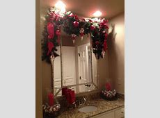 Christmas garland    BATHROOMS ideas with Marc Coan
