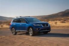 2017 Nissan Pathfinder Look Motor Trend