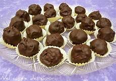 Dolcetti Con Wafer Sbriciolati   nel cuore dei sapori dolcetti di cioccolato con wafer e mandorle