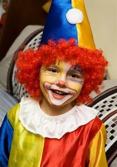 kinder clown schminken kinderschminken karneval