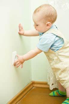 wohnung kindersicher machen wohnung kindersicher machen gefahrenquellen erkennen und