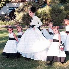shanna moakler in a lace monique lhuillier gown walks