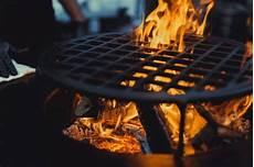 barbecue gros plan cuisiner professionnellement sur un