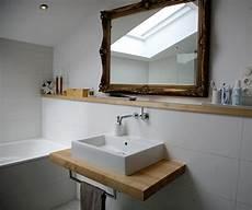 Holz Waschtischplatte In Rustikalem Badezimmer Mit Gro 223 Em