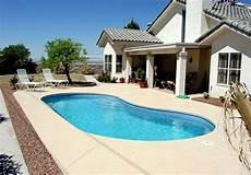 garten gestalten mit pool pool im garten 20 nierenf 246 rmige schwimmbecken