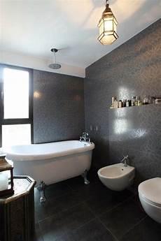 salle de bain noir et blanc un choix classique et 233 l 233 gant