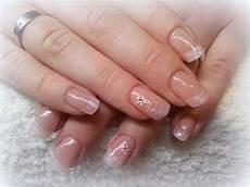 rosa nägel mit glitzer acryl n 196 gel anleitung mit schablone zartrosa glitzer