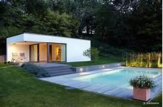 moderne gartengestaltung mit gro 223 em pool und