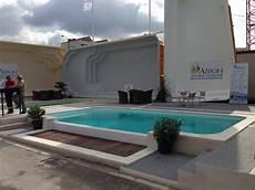 piscine hors sol coque piscine coque 224 d 233 bordement piscine d 233 bordement lat 233 ral