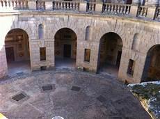 cortile palazzo farnese palazzo farnese a caprarola cortile circolare picture