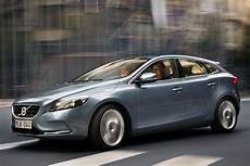 volvo v40 d3 kinetic diesel car review specification
