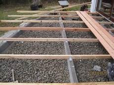 terrassenplatten direkt auf erde verlegen terrassenbau kollektiv bau